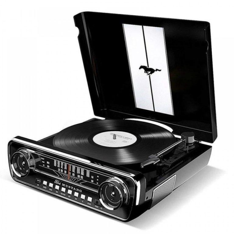 ION Mustang LP Black Πικάπ
